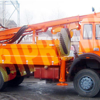 Wiertnica do pomp ciepła i studni H35S - na samochodzie ciężarowym