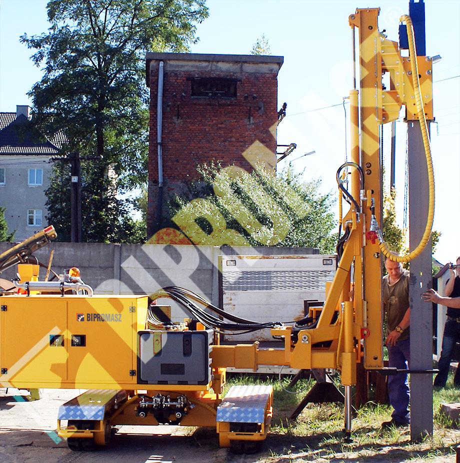 Kafar KB-3G do wbijania słupów pod fotowoltaika - Bipromasz