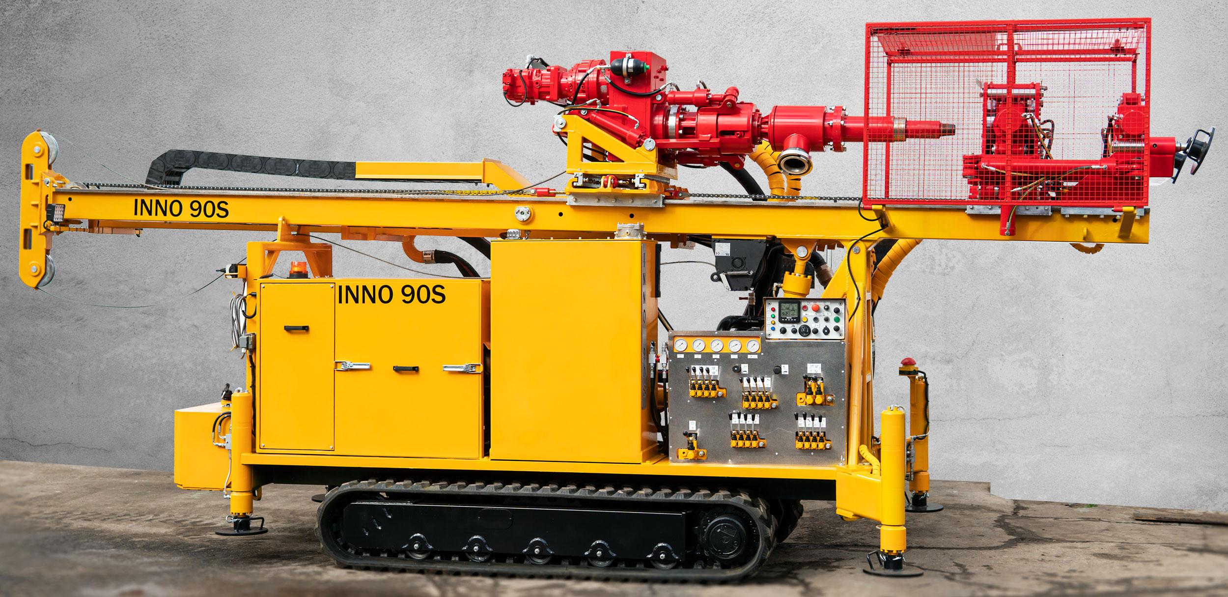 Wiertnica do pomp ciepła i studni - H30G na podwoziu gąsienicowym produkcji Bipromasz
