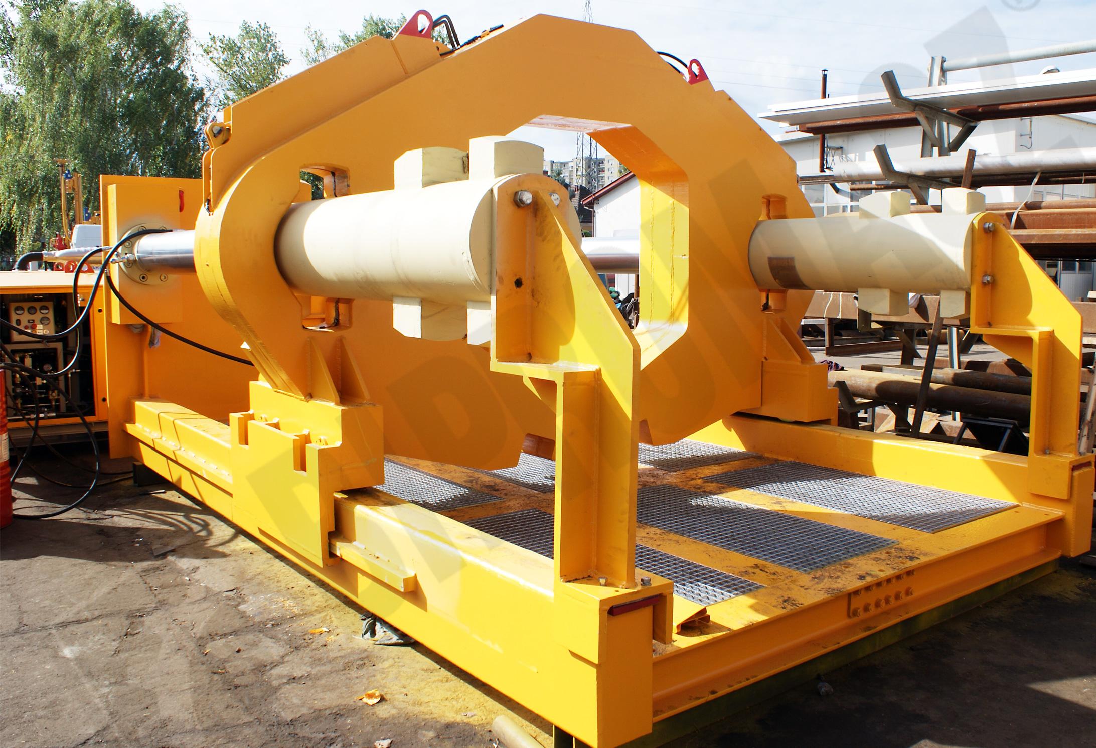 Stacja wciskająca SW-2450 produkcji firmy Bipromasz